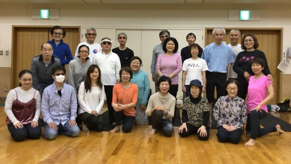 チャレンジド・ヨガ横須賀クラスの集合写真