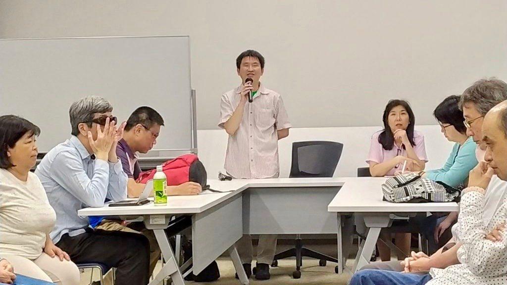 大川さん(左)と田中さん(右)を中心にアップで撮影した画像