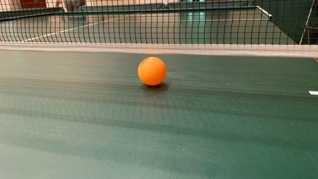 ネットとボールの隙間は2mmしかない