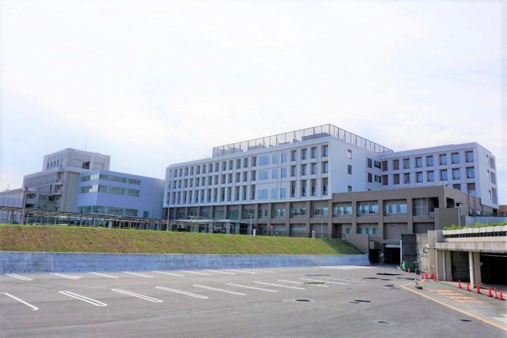 神奈川県総合リハビリテーションセンターの外観を撮影した画像。