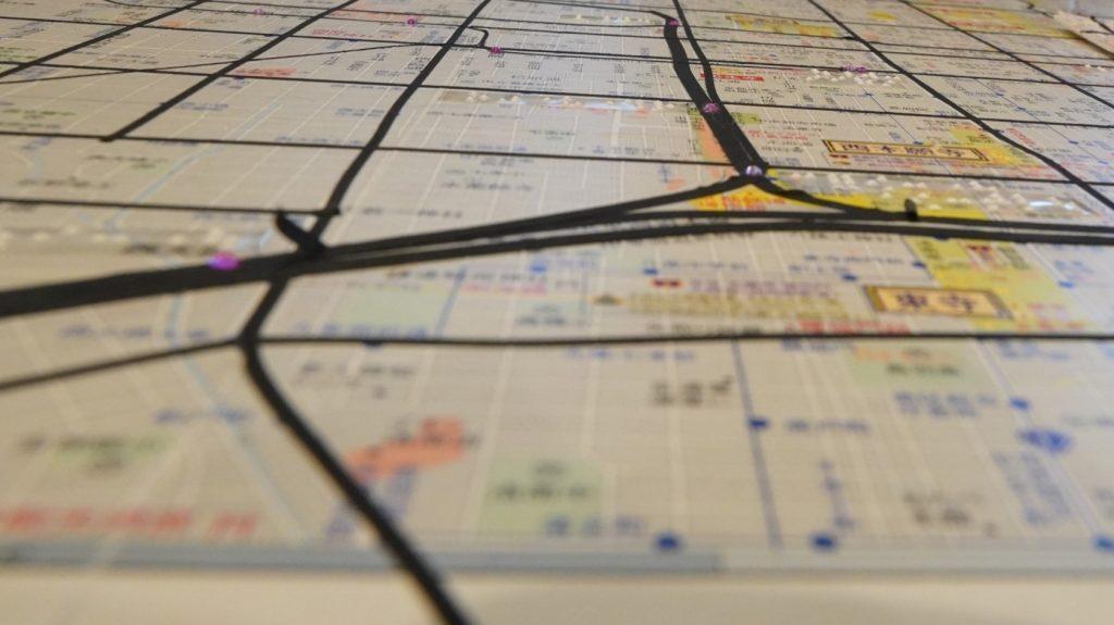京都の町並みを表した立体地図の画像。