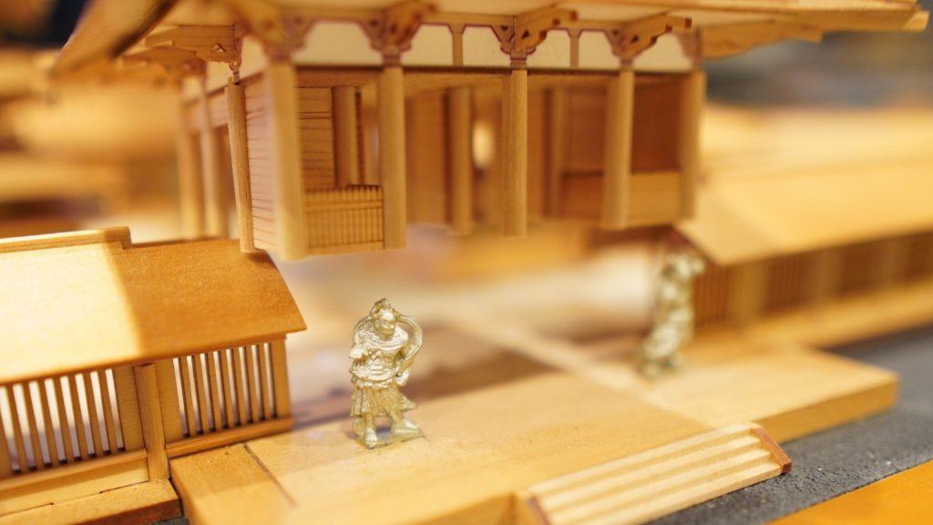 南大門を上にあげて、金剛力士像を撮影した画像。