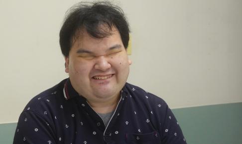 微笑む北村さん
